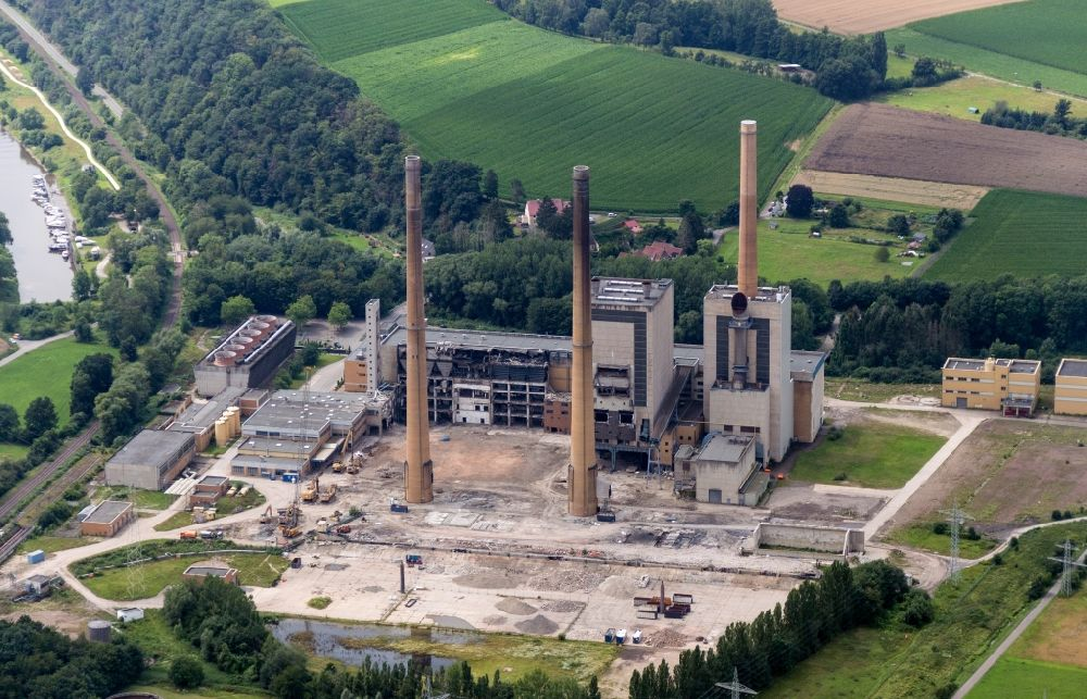 Porta Westfalica from above - Demolition and dismantling of the decommissioned power plants and exhaust towers of the cogeneration plant Altes Kraftwerk of Entwicklungsgesellschaft GKW Veltheim mbH in Porta Westfalica in the state North Rhine-Westphalia, Germany