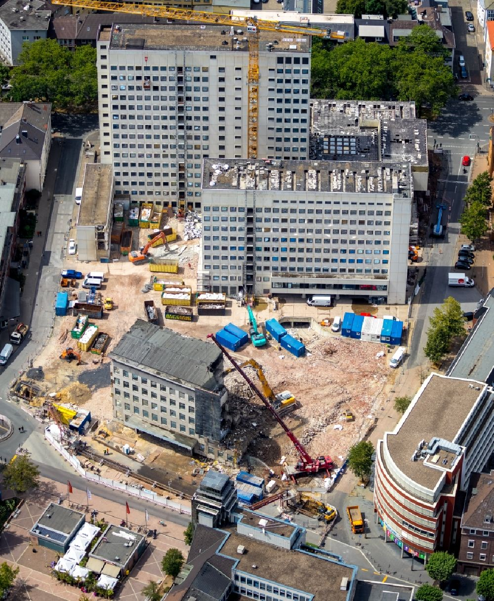 Bochum from the bird's eye view: Demolition area of office buildings Home of old curt Landsgericht - Amtsgericht in the district Innenstadt in Bochum in the state North Rhine-Westphalia, Germany