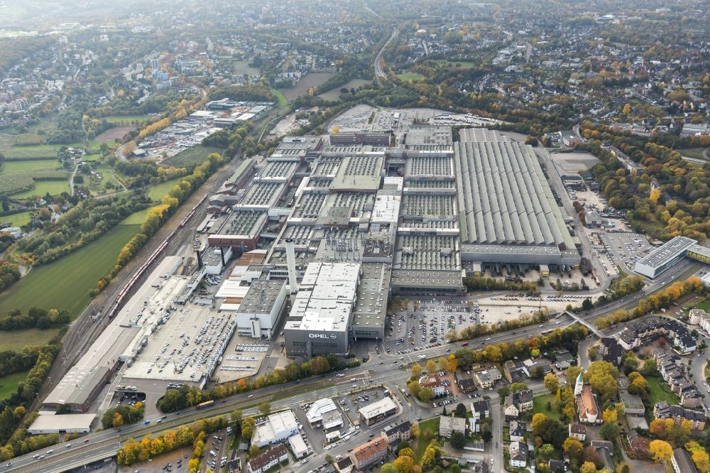 bochum from above - view of the adam opel ag werk bochum i in the