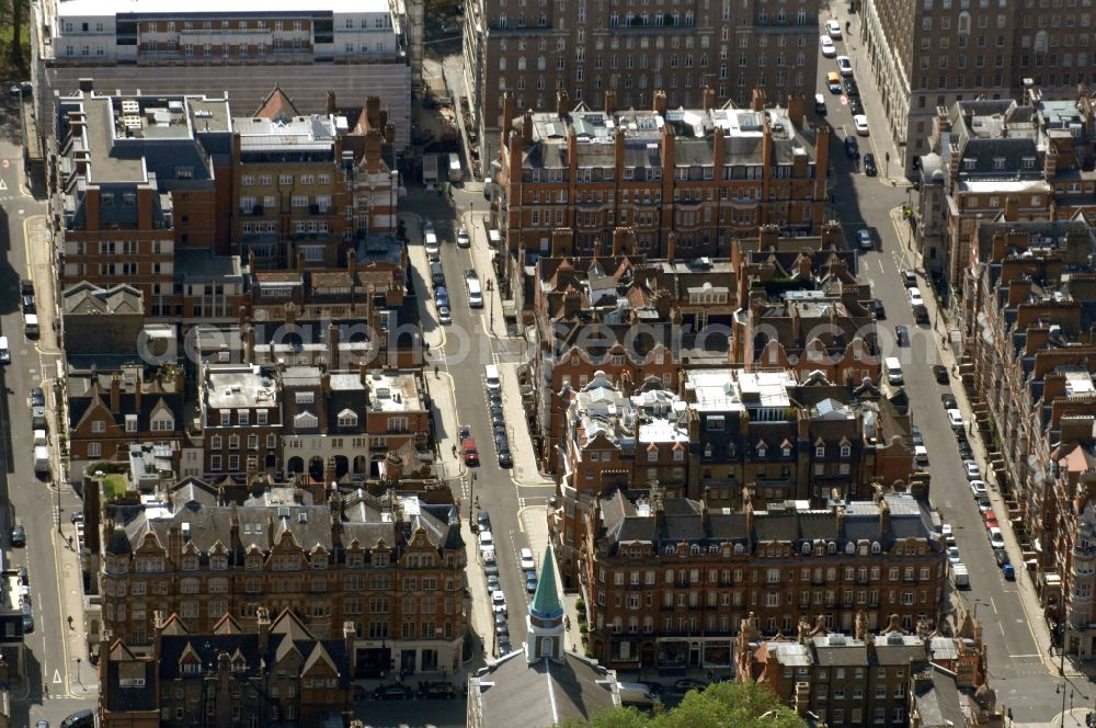 London from above - View of the Aldford Street in the district City of Westminster in London in the county of Greater London in the UK