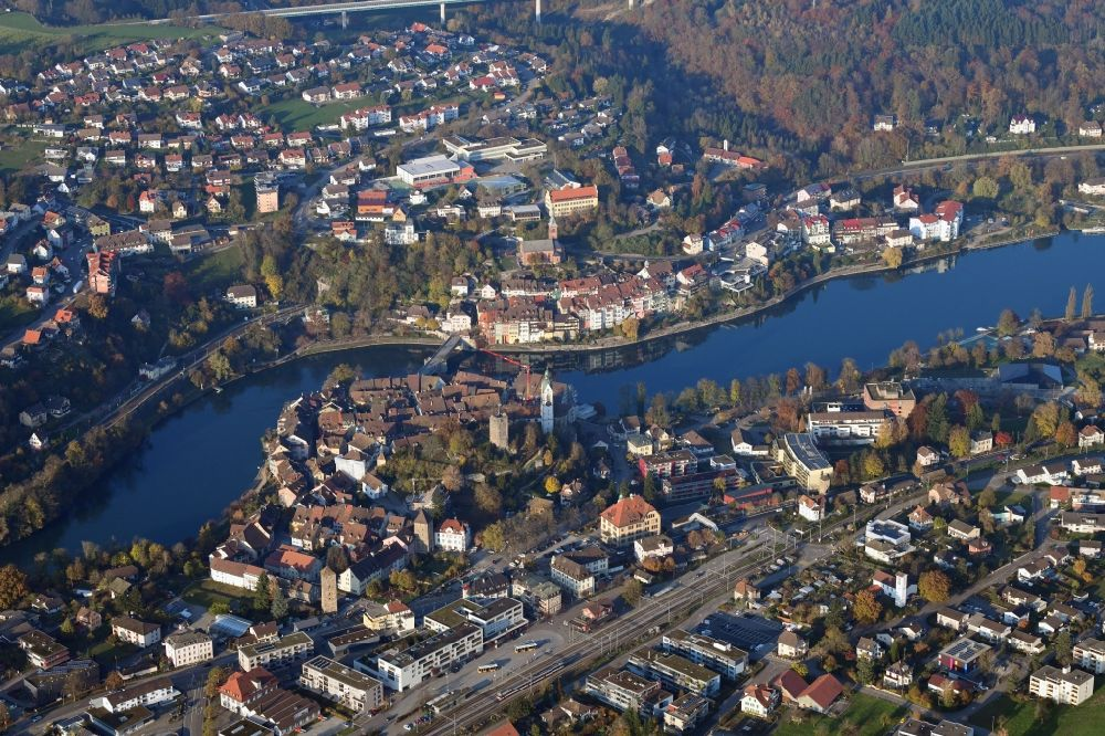 Aerial photograph Laufenburg - Old Town area and city center in Laufenburg in the canton Aargau, Switzerland. Looking over the river Rhine and the old Bridge to Laufenburg in Baden-Wuerttemberg, Germany.