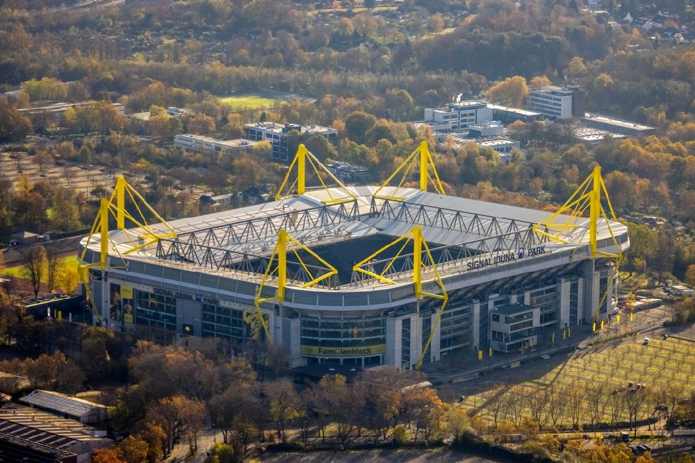 Aerial image Dortmund - Bundesliga stadium and sports facility grounds of the arena of BVB - Stadium Signal Iduna Park of the Bundesliga in Dortmund in the state of North Rhine-Westphalia