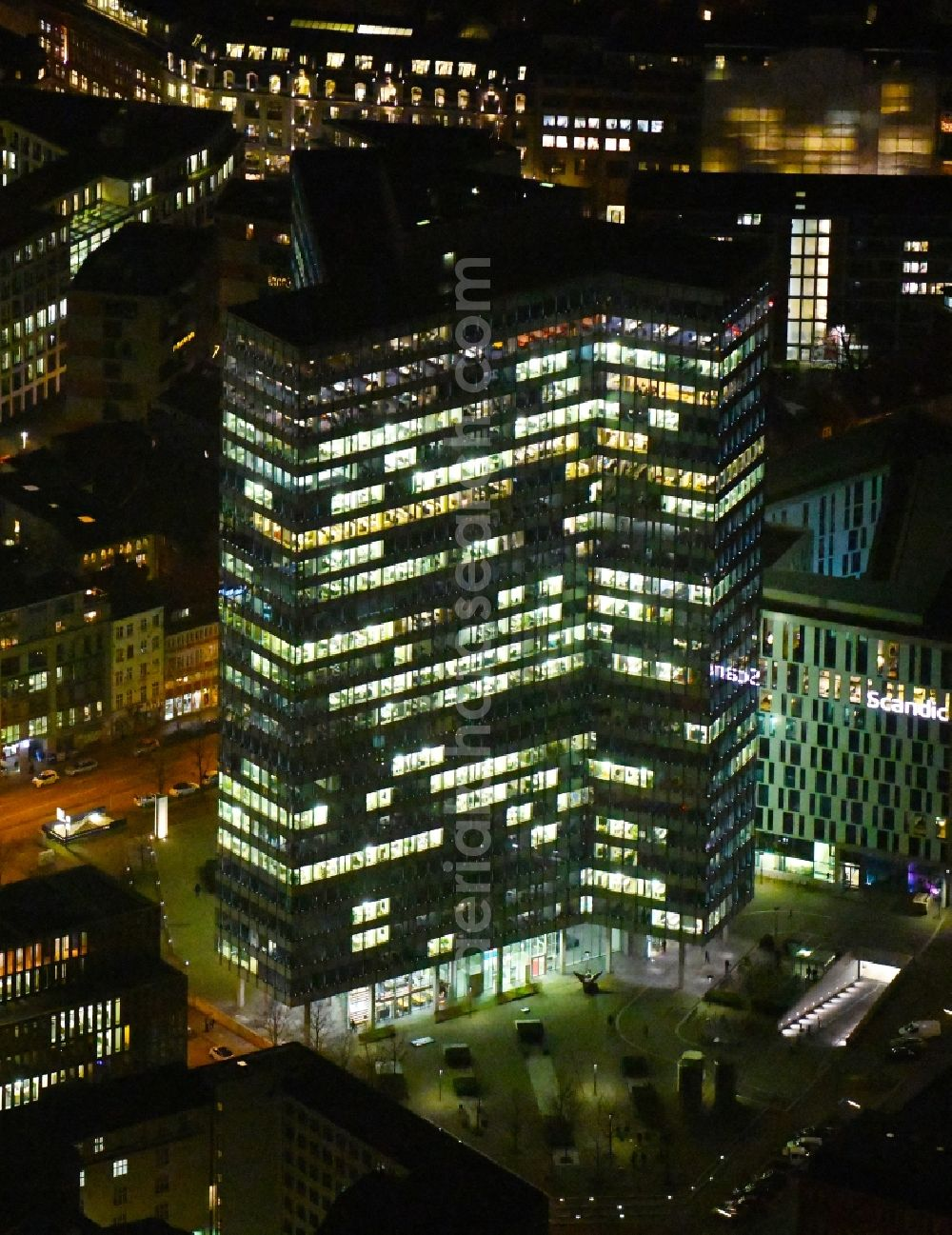 Aerial photograph at night Hamburg - Night lighting high-rise ensemble of Emporio-Hochhaus in the district Neustadt in Hamburg, Germany
