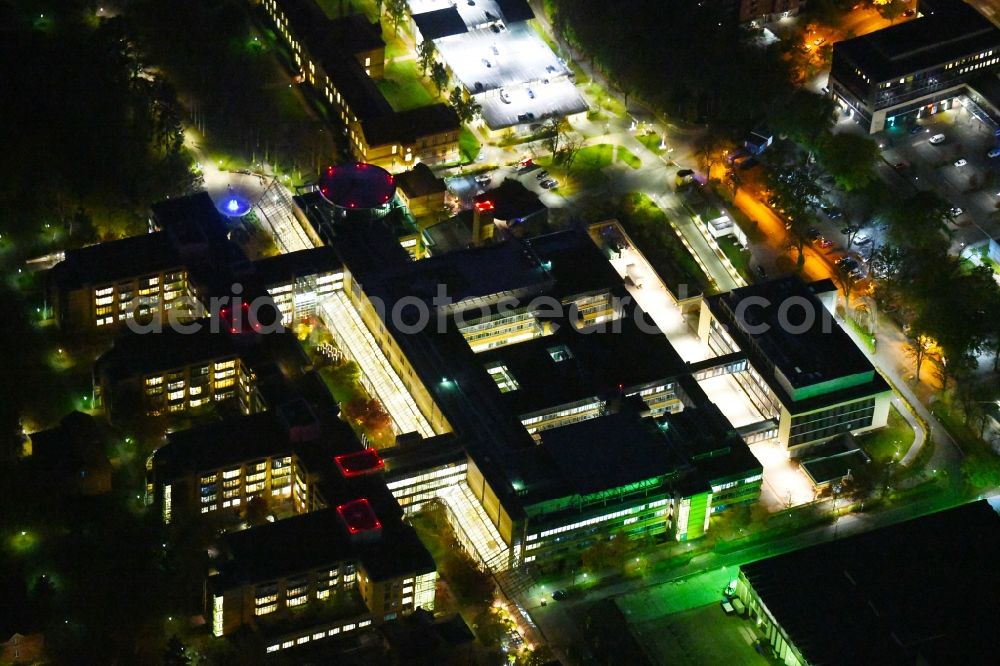 Berlin at night from the bird perspective: Night lighting hospital grounds of the accident clinic in the district Marzahn-Hellersdorf in Berlin