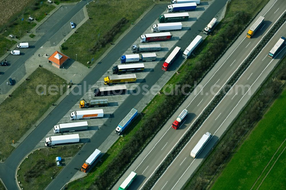 Aerial image Dornstedt - Motorway parking lot and parking area for automobiles with rest area and toilet for short stays on the edge of the course of the BAB A38 Parkplatz Querfurter Platte in Dornstedt in the state Saxony-Anhalt, Germany