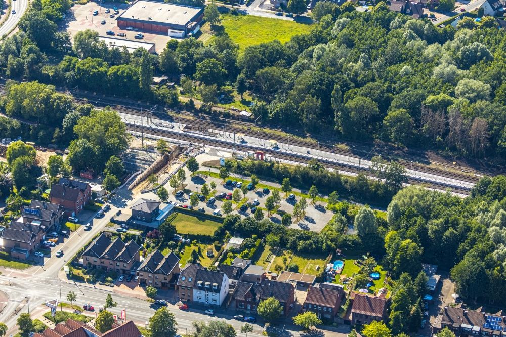 Hamm from the bird's eye view: Construction work for the reconstruction of the station building of Heessener Bahnhof for the planned Regional-Ruhr-Express in Hamm in the state North Rhine-Westphalia, Germany