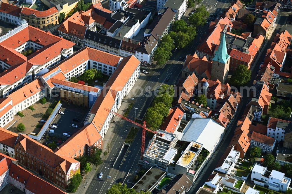 Braunschweig from the bird's eye view: Building site office building Sportzentrum Gueldenstrasse in the district Innenstadt in Brunswick in the state Lower Saxony, Germany
