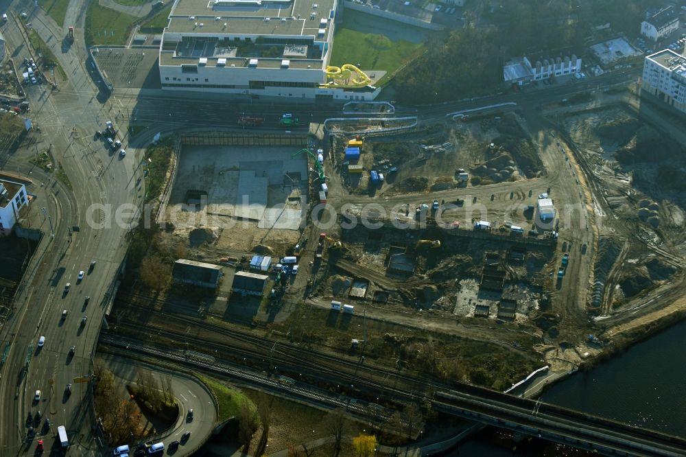 Potsdam from the bird's eye view: Construction site with development works and embankments works on river banks of Havel in the district Suedliche Innenstadt in Potsdam in the state Brandenburg, Germany