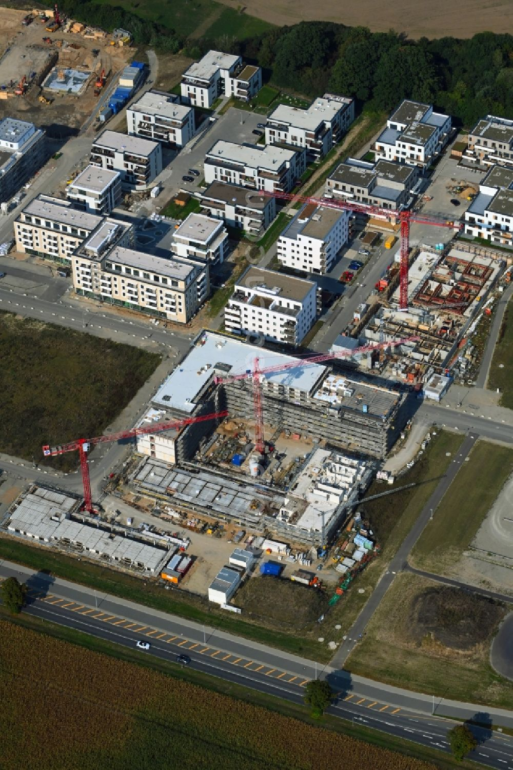 Aerial photograph Wolfsburg - Residential construction site with multi-family housing development- on the Steimker Gaerten in the district Hellwinkel in Wolfsburg in the state Lower Saxony, Germany