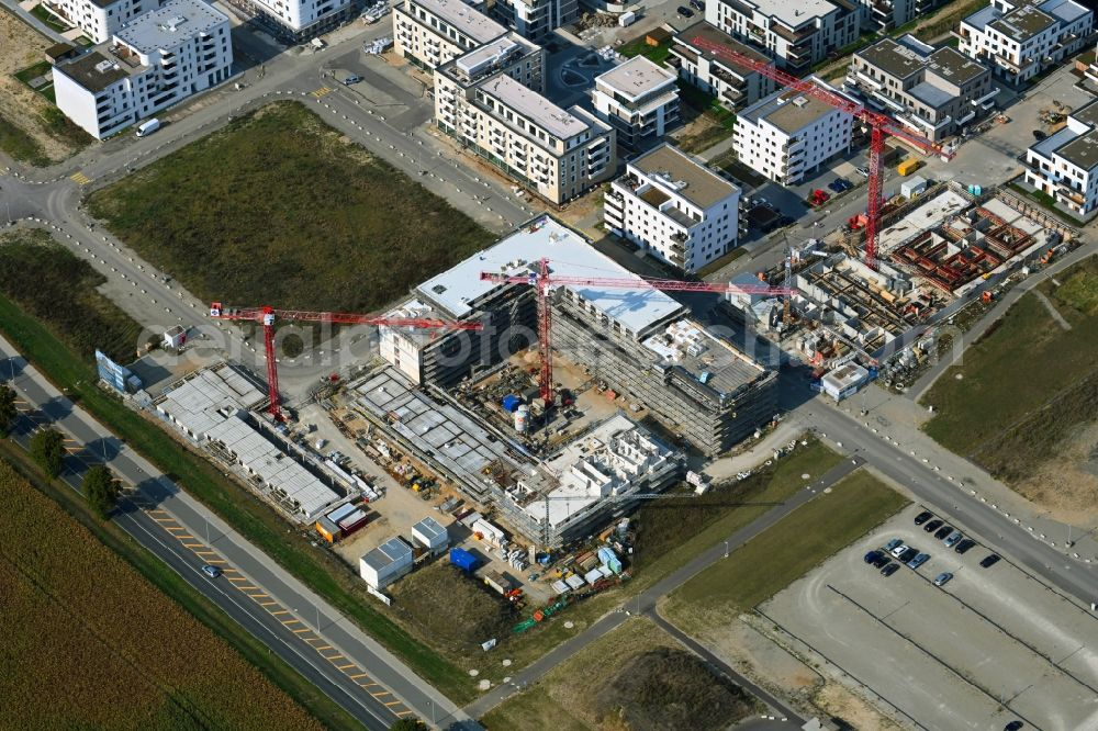 Wolfsburg from the bird's eye view: Residential construction site with multi-family housing development- on the Steimker Gaerten in the district Hellwinkel in Wolfsburg in the state Lower Saxony, Germany