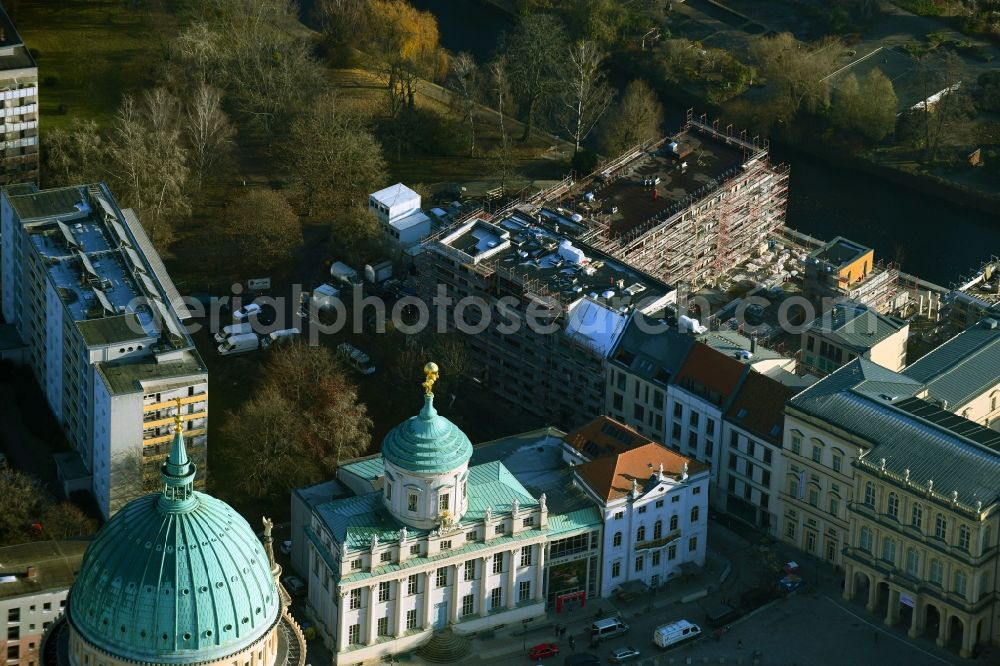 Potsdam from above - Residential construction site with multi-family housing development- on the Brauerstrasse - Am Alten Markt on river Alte Fahrt in the district Innenstadt in Potsdam in the state Brandenburg, Germany
