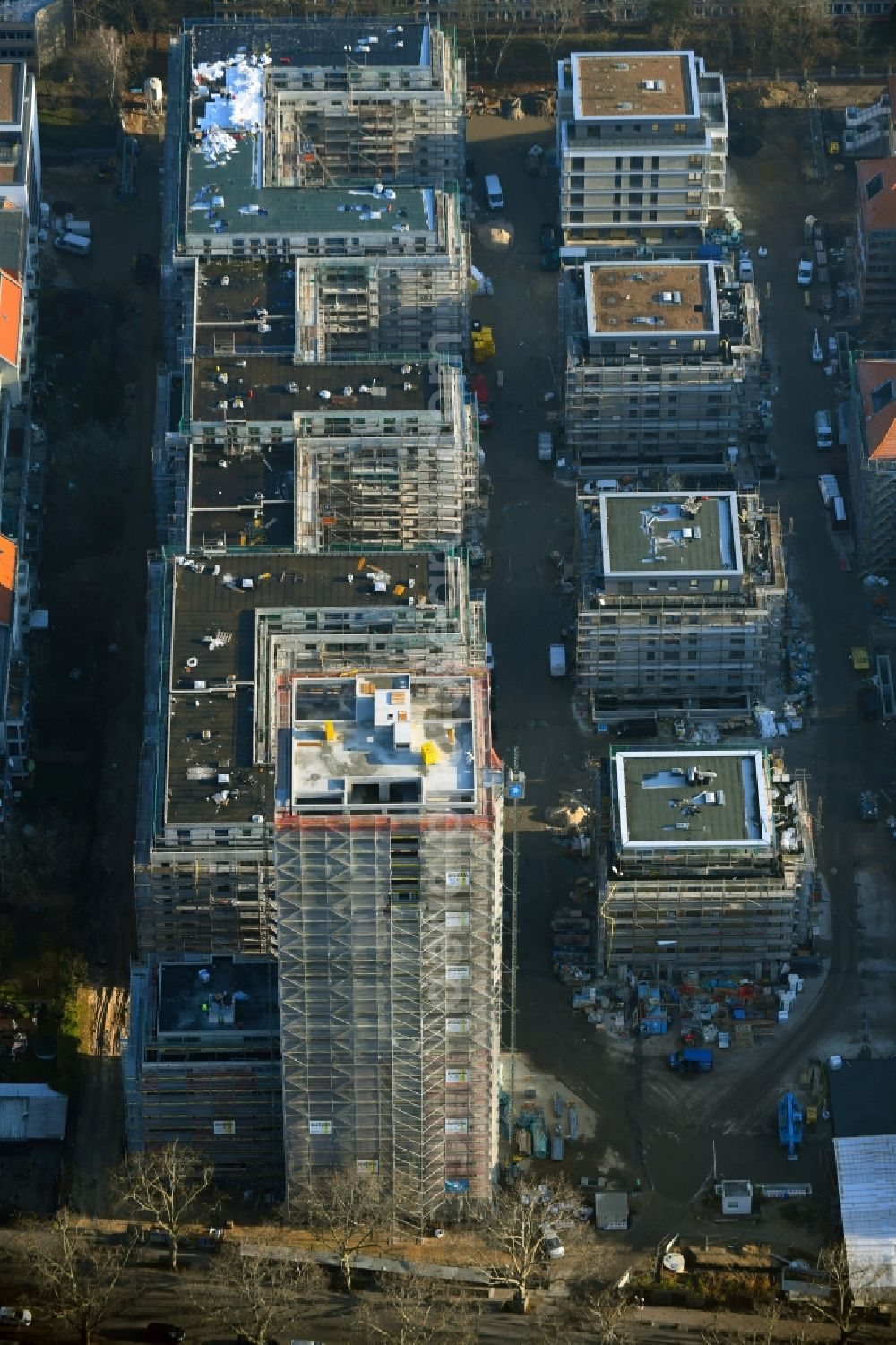 Aerial photograph Berlin - Construction site for new high-rise building complex am Wohnpark St. Marien in the district Neukoelln in Berlin, Germany