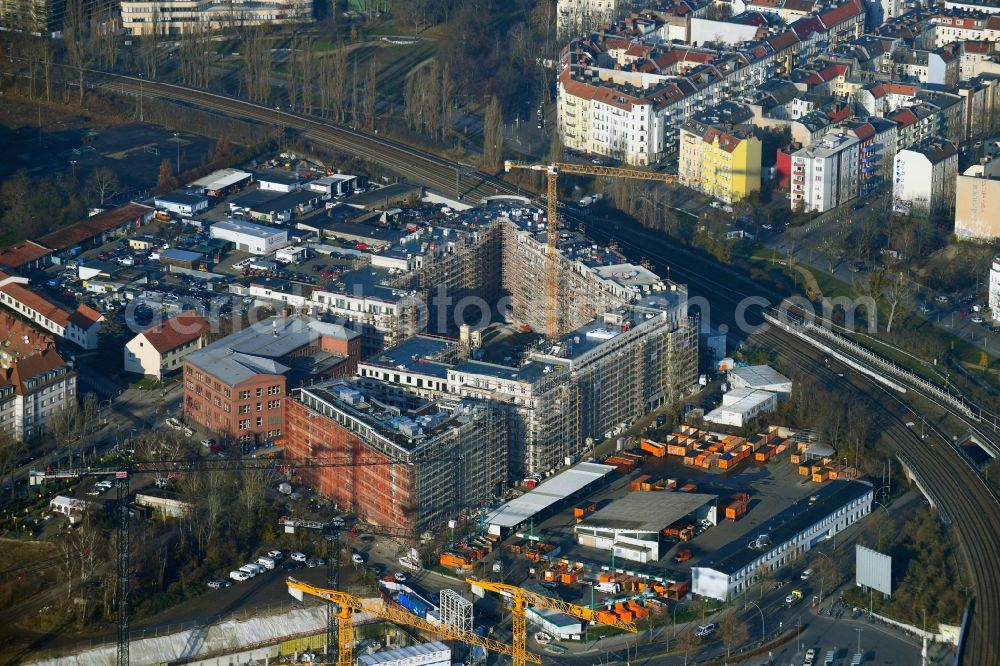 Aerial photograph Berlin - Construction site to build a new multi-family residential complex Stadtquartier Suedkreuz on Gotenstrasse - Tempelhofer Weg in the district Schoeneberg in Berlin, Germany