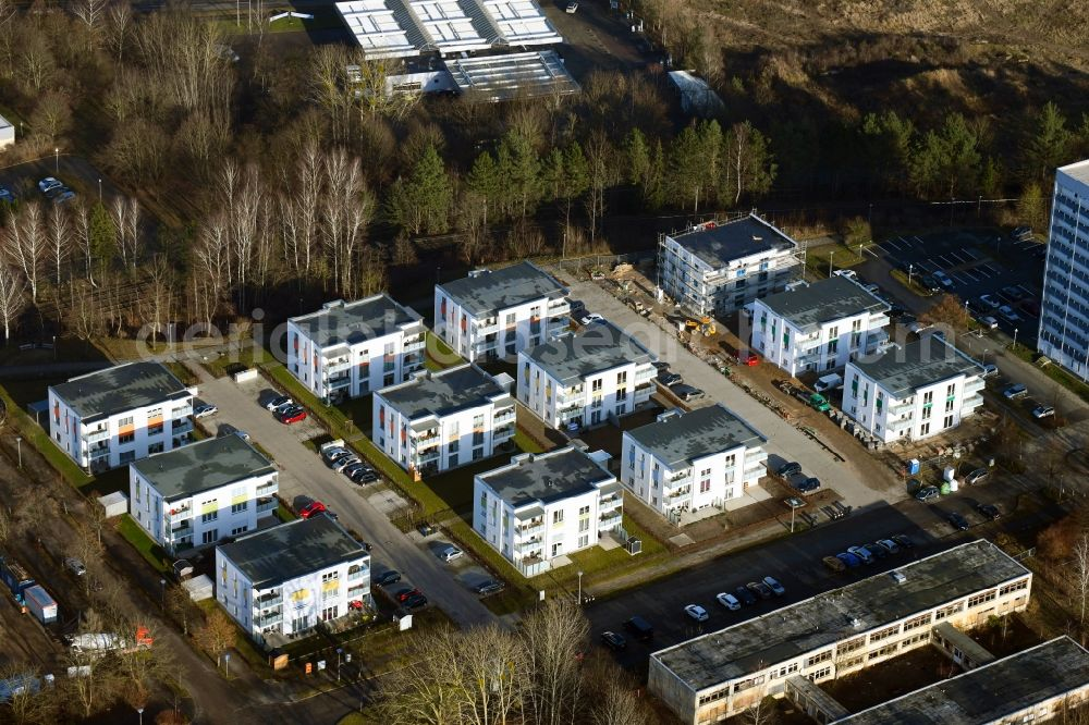 Aerial photograph Schwerin - Construction site for the city villa - multi-family residential building on Anne-Fronk-Strasse - Bernhard-Schwentner-Strasse in Schwerin in the state Mecklenburg - Western Pomerania, Germany