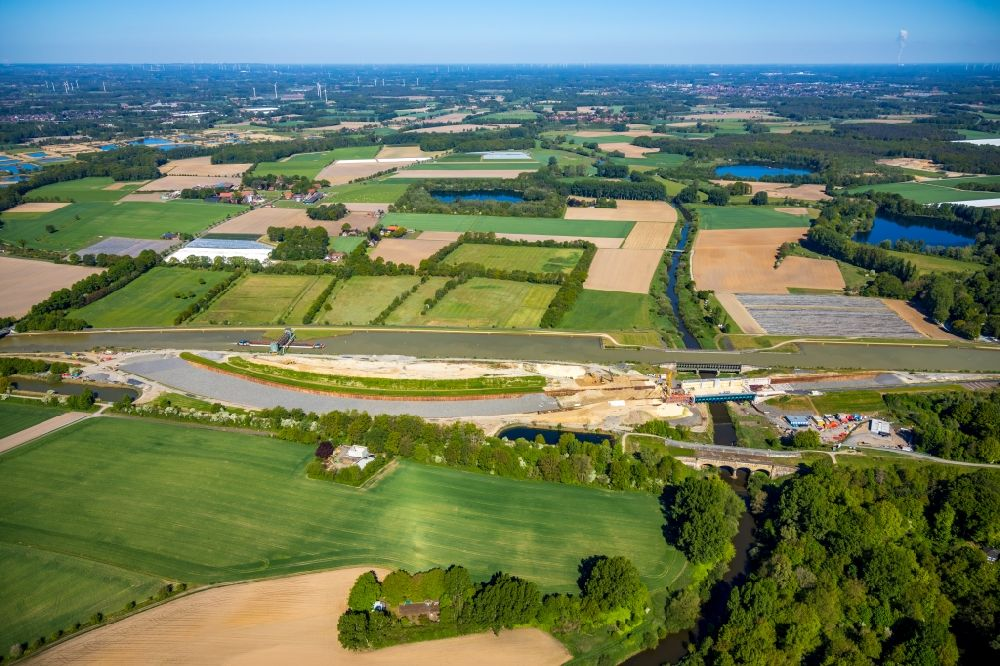 Aerial image Greven - Construction of road bridge of canal bypass between Gittruper Strasse and Fuestruper Strasse in Greven in the state North Rhine-Westphalia, Germany