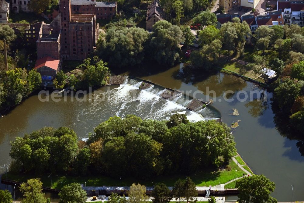 Aerial image Halle (Saale) - Fire- Ruins of the Boellberger Muehle next to Grosses Boellberger Wehr in Halle (Saale) in the state Saxony-Anhalt, Germany