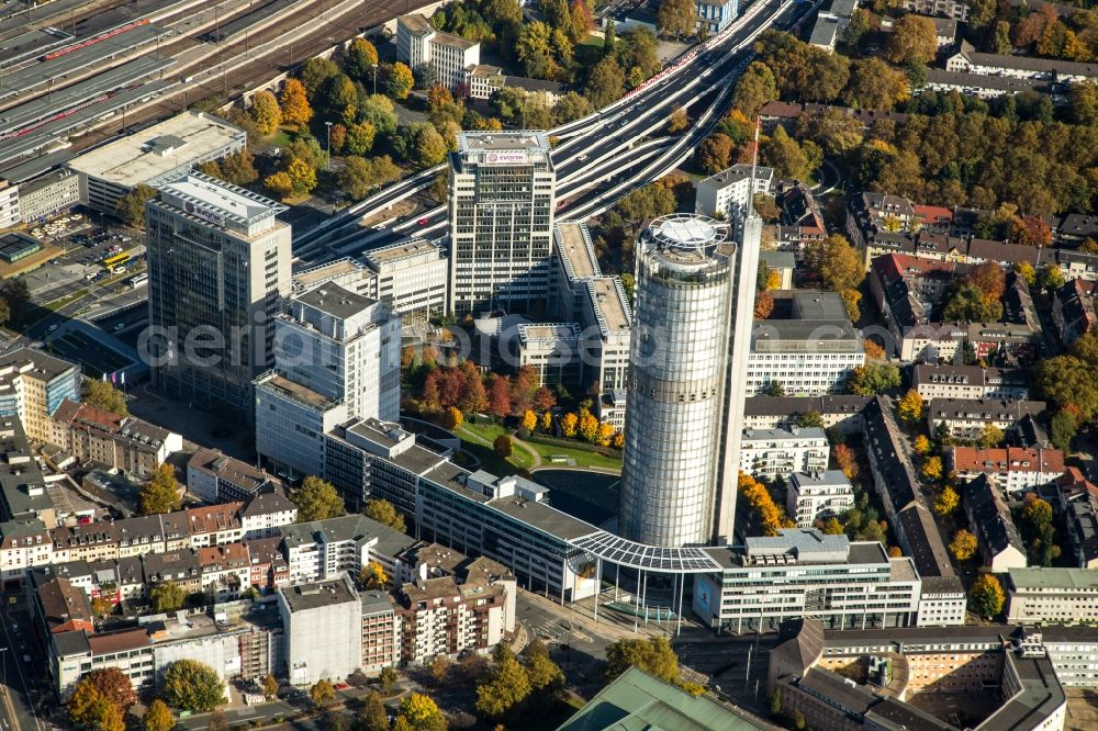 Aerial image Essen - Office and corporate management high-rise building RWE-Turm in the district Suedviertel in Essen in the state North Rhine-Westphalia, Germany