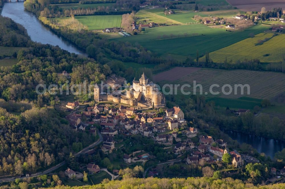 Vitrac from above - Castle of Montfort above the Dordogne in Vitrac in Nouvelle-Aquitaine, France