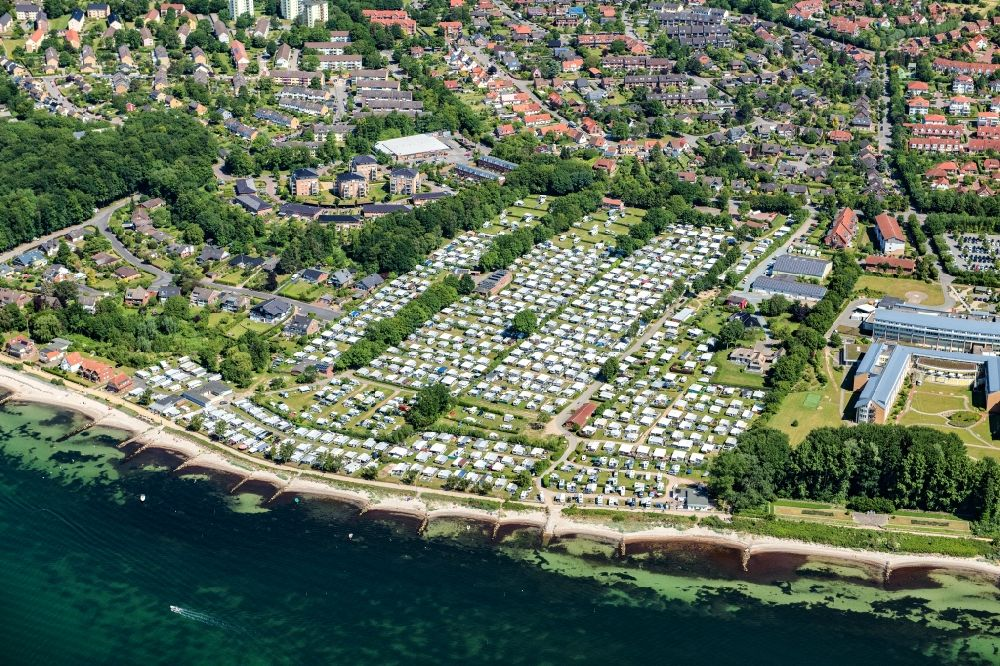 Neustadt in Holstein from the bird's eye view: Camping with caravans and tents in Neustadt in Holstein in the state Schleswig-Holstein