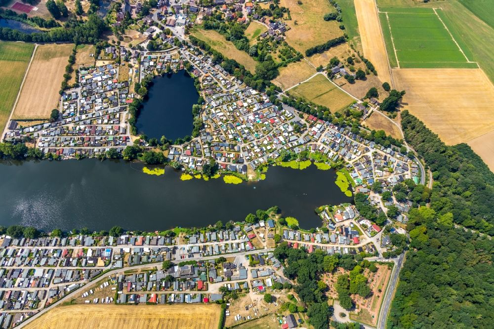 Rees from above - Camping with caravans and tents in the district Mehr in Rees in the state North Rhine-Westphalia, Germany