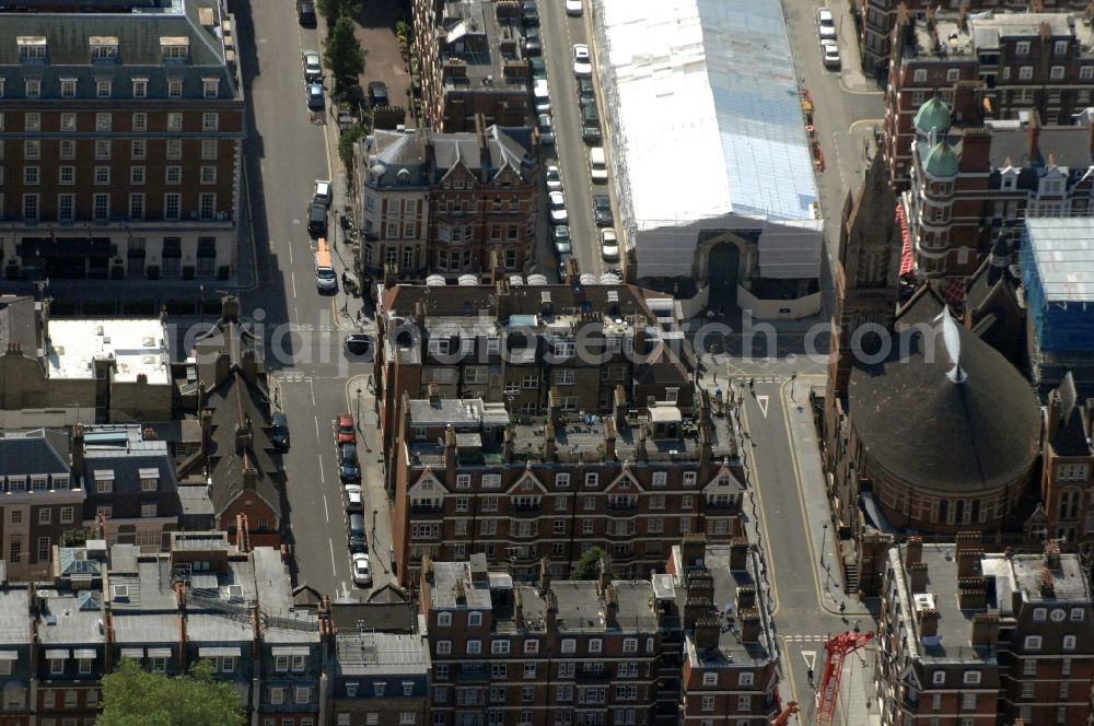 Aerial image London - View of the Ukrainian Catholic Cathedral of the Holy Family in Exile and the Brown Hart Gardens in Mayfair in the district of City of Westminster in London in the county Greater London in the UK