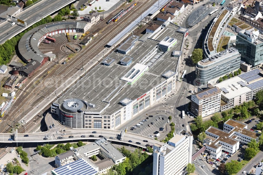 Aerial photograph Siegen - Building of the shopping center City-Galerie Siegen on train station in Siegen in the state North Rhine-Westphalia, Germany