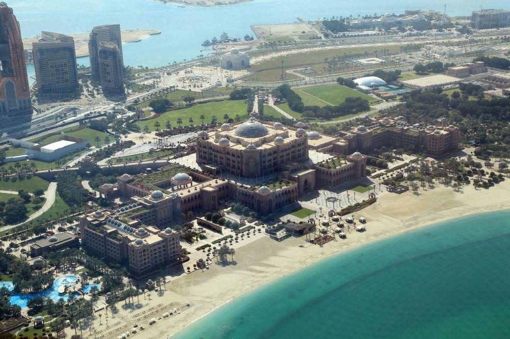 Aerial photograph Abu Dhabi - Emirates Palace Hotel on the