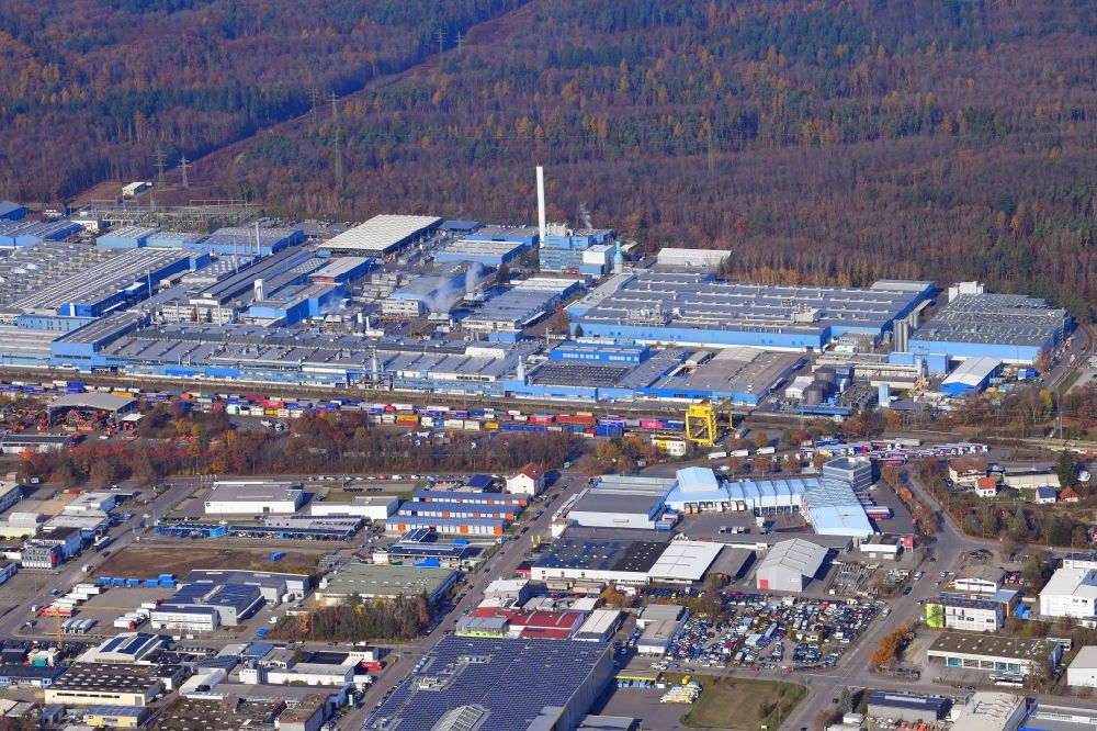 Singen (Hohentwiel) from the bird's eye view: Company grounds and facilities of aluminum manufacturer Constellium in Singen (Hohentwiel) in the state Baden-Wuerttemberg, Germany. Supplier for the automotive and aerospace markets