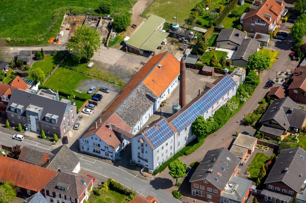 Aerial photograph Walstedde - Company grounds and facilities of Brennerei Eckmann on Nordholter Weg in Walstedde in the state North Rhine-Westphalia, Germany.