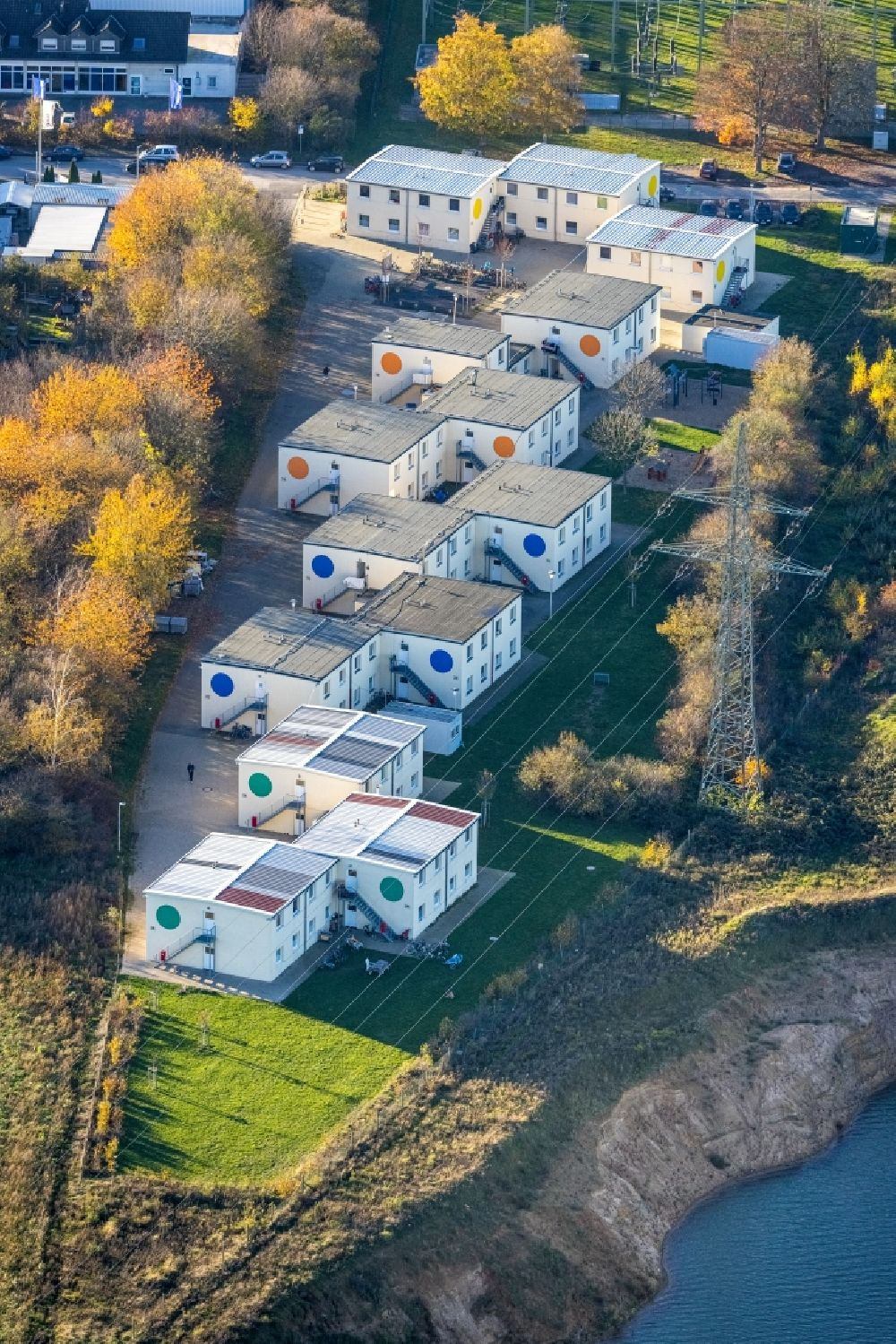 Kamp-Lintfort from above - Container settlement as temporary shelter and reception center for refugees on Friedrichstrasse in the district Niersenbruch in Kamp-Lintfort in the state North Rhine-Westphalia, Germany