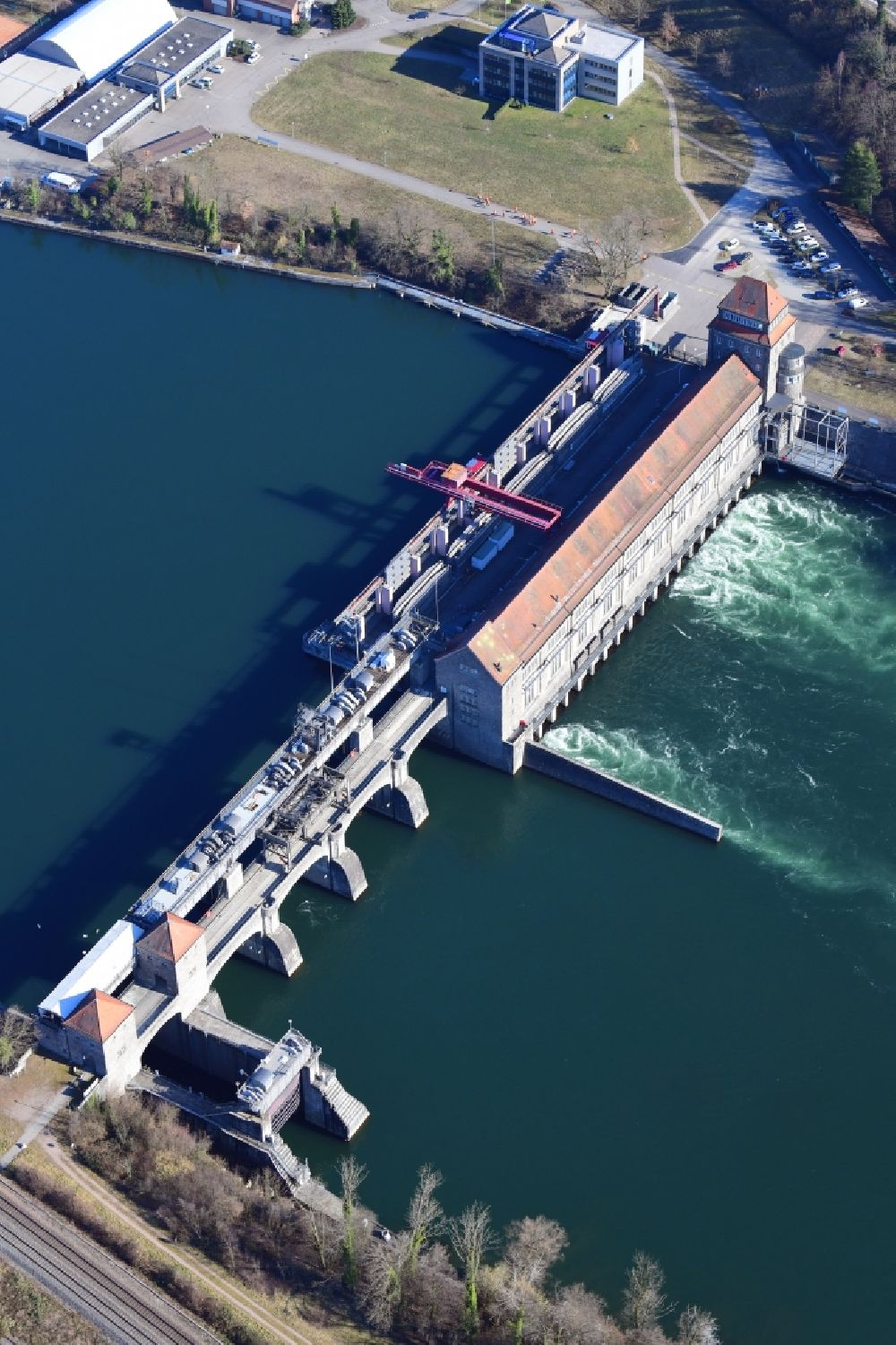 Laufenburg from the bird's eye view: Dam of the hydroelectric power plant of Energiedienst Holding AG at the river Rhine in Laufenburg in the state Baden-Wurttemberg, Germany.