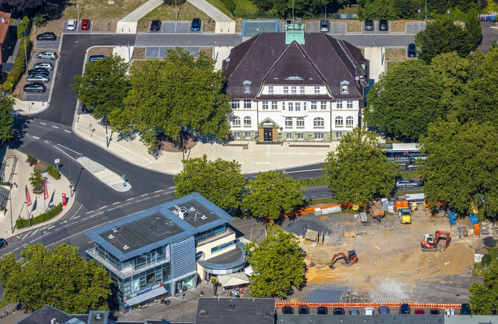 Hamm from the bird's eye view: Town Hall building of the City Council with a construction site to convert the market place at the downtown in the district Heessen in Hamm in the state North Rhine-Westphalia, Germany