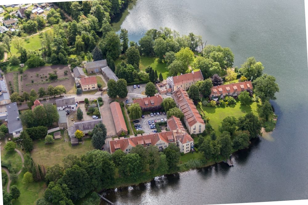 Aerial image Werder (Havel) - Complex of the hotel building Zum Rittmeister in the district Kemnitz in Werder (Havel) in the state Brandenburg, Germany