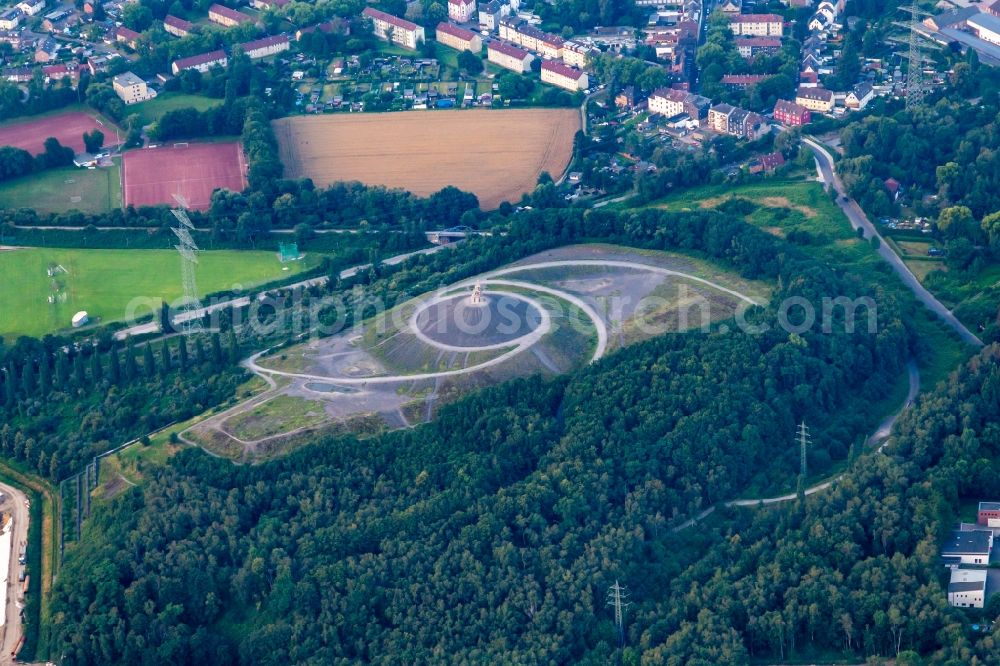 Aerial image Gelsenkirchen - Reclamation site of the former mining dump Rheinelbe and todays recreation area in the district Ueckendorf in Gelsenkirchen in the state North Rhine-Westphalia, Germany