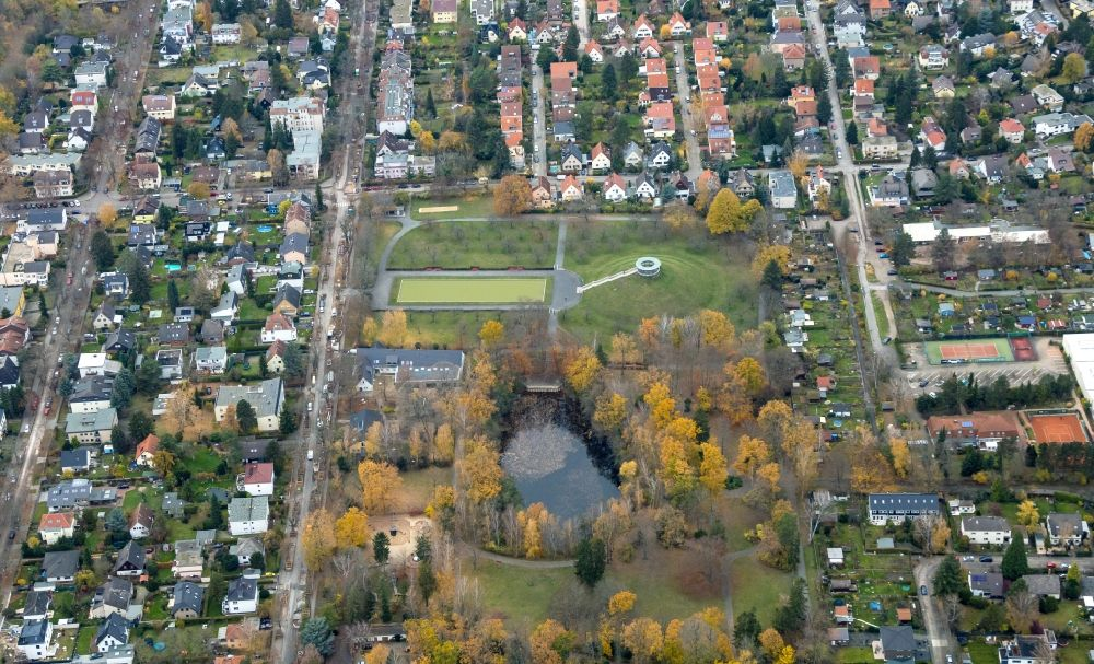 Berlin from the bird's eye view: Tourist attraction of the historic monument Otto Lilienthal Gedenkstaette on Schuette-Lanz-Strasse in the district Lichterfelde in Berlin, Germany