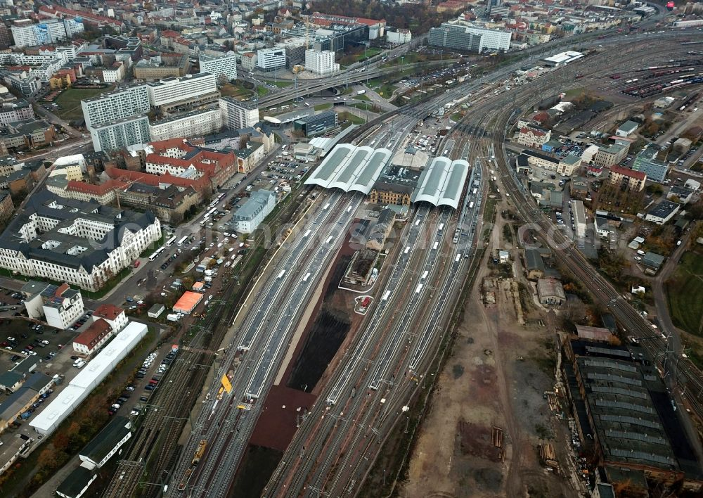 Aerial image Halle (Saale) - Track progress and building of the main station of the railway in Halle (Saale) in the state Saxony-Anhalt, Germany