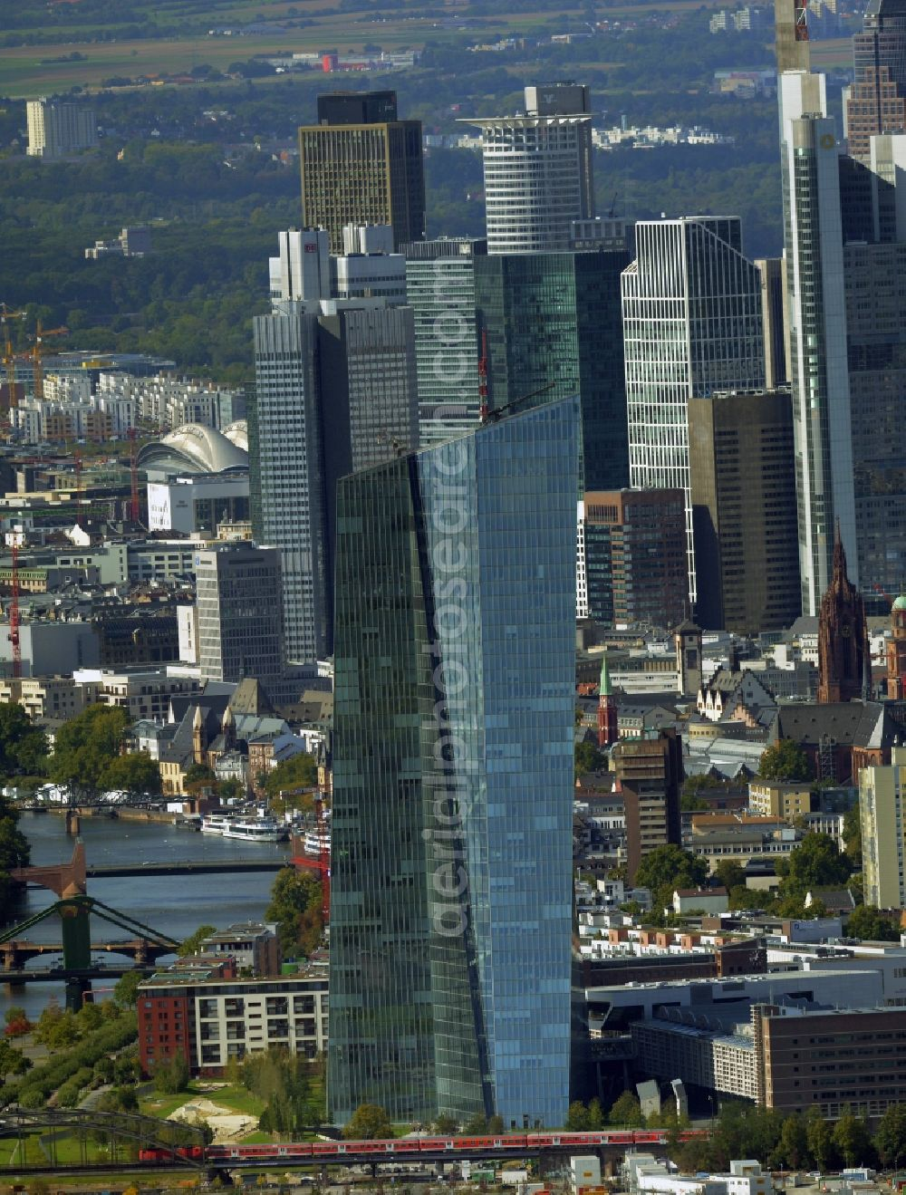 Aerial photograph Frankfurt am Main - High-rise skyscraper building and bank administration of the financial services company EZB Europaeische Zentralbank in Frankfurt in the state Hesse, Germany
