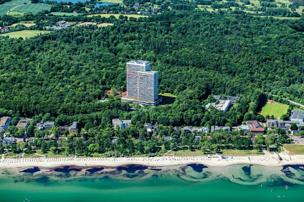 Aerial photograph Timmendorfer Strand - High-rise building of the hotel complex Maritim ClubHotel Timmendorfer Strand in Timmendorfer Strand in the state Schleswig-Holstein, Germany