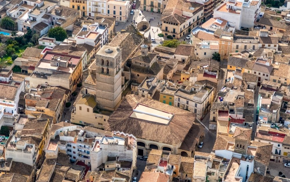 Aerial photograph Felanitx - Church building in ParrA?quia de Sant Miquel Old Town- center of downtown in Felanitx in Balearische Insel Mallorca, Spain