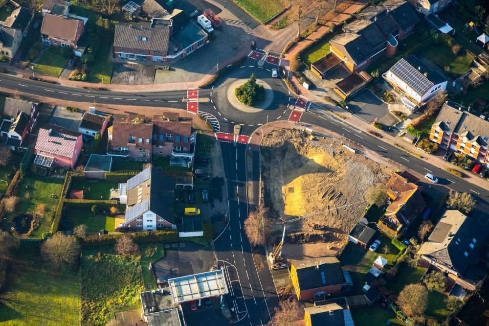 Aerial photograph Haltern am See - Traffic management of the roundabout road in the district Sythen in Haltern am See in the state North Rhine-Westphalia, Germany