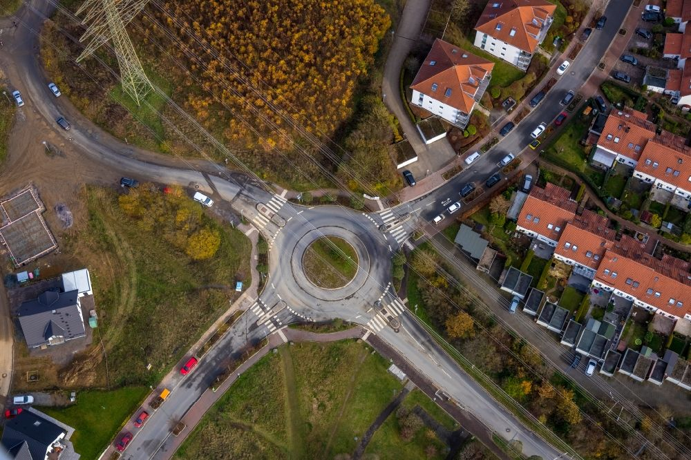 Lüdenscheid from the bird's eye view: Traffic management of the roundabout road in the district Vogelberg in Luedenscheid in the state North Rhine-Westphalia, Germany