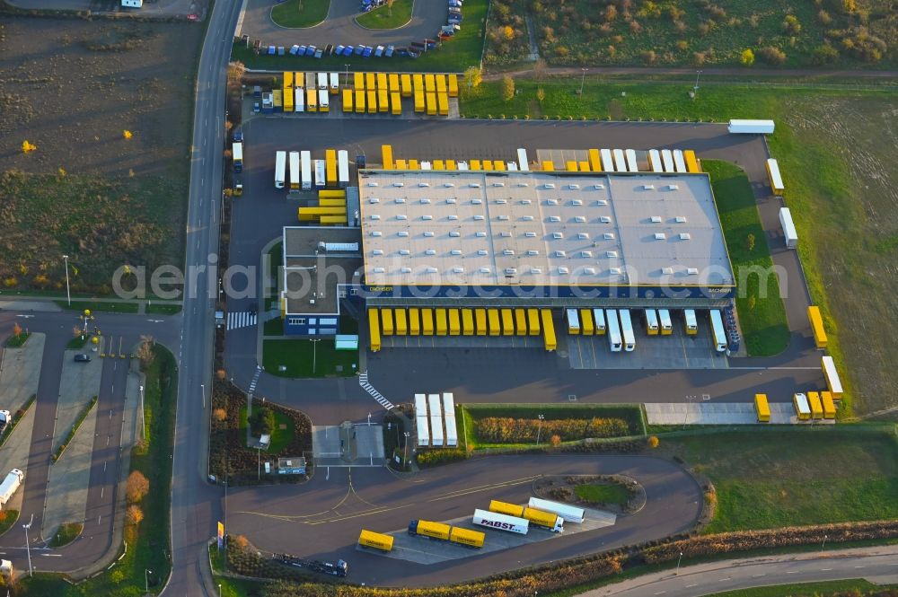 Magdeburg from the bird's eye view: Warehouses and forwarding building of Dachser SE in the district Gewerbegebiet Nord in Magdeburg in the state Saxony-Anhalt, Germany
