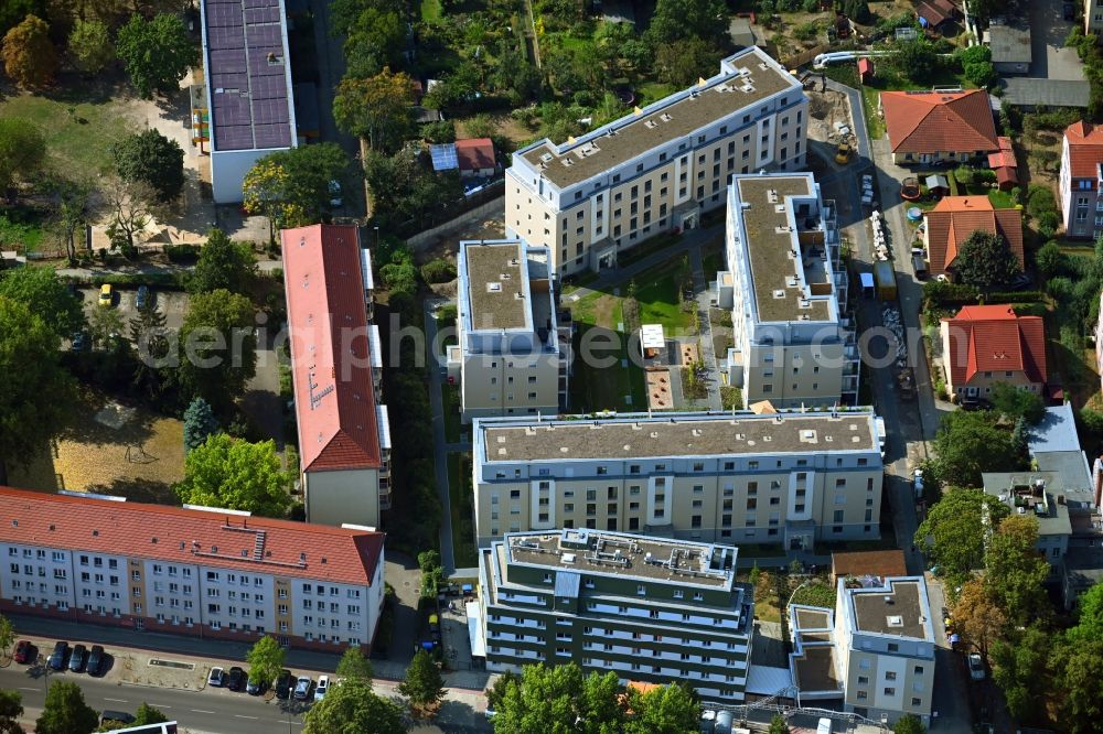 Berlin from the bird's eye view: New multi-family residential complex along the Einbecker Strasse in the district Lichtenberg in Berlin, Germany