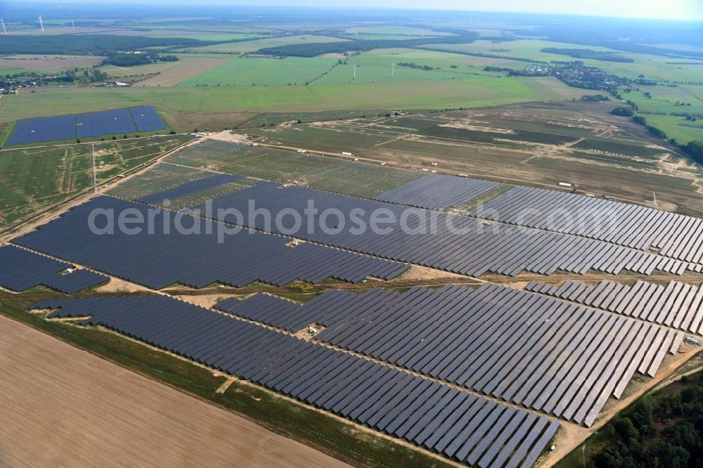 Aerial photograph Willmersdorf - Construction site and assembly work for solar park and solar power plant Solarpark Weesow-Willmersdorf in Willmersdorf in the state Brandenburg, Germany