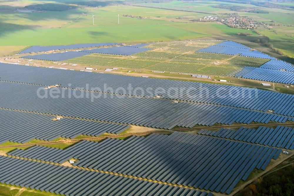 Willmersdorf from the bird's eye view: Construction site and assembly work for solar park and solar power plant Solarpark Weesow-Willmersdorf in Willmersdorf in the state Brandenburg, Germany