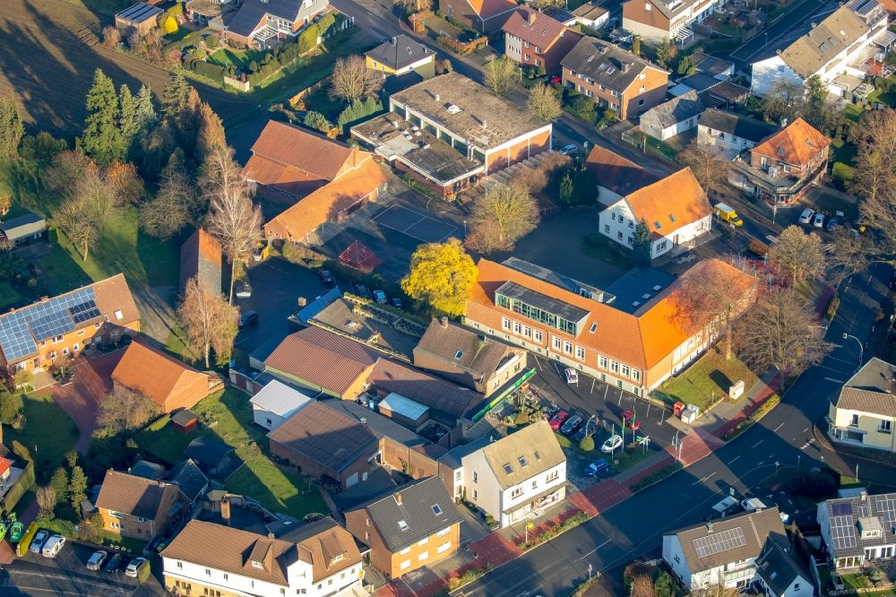 Aerial photograph Lippramsdorf - Town View of the streets and houses of the residential areas in Lippramsdorf in the state North Rhine-Westphalia, Germany.