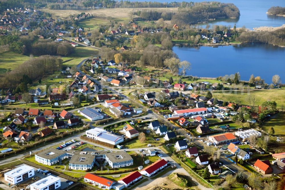 Aerial photograph Pinnow - Village on the banks of the area on Binnensee in Pinnow in the state Mecklenburg - Western Pomerania, Germany