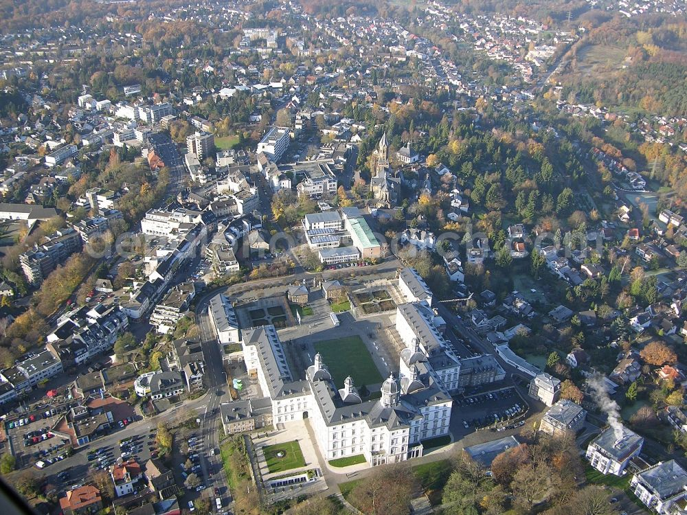 Aerial photograph Bergisch Gladbach - Palace Althoff Grandhotel Schloss Bensberg on Kadettenstrasse in the district Bensberg in Bergisch Gladbach in the state North Rhine-Westphalia, Germany