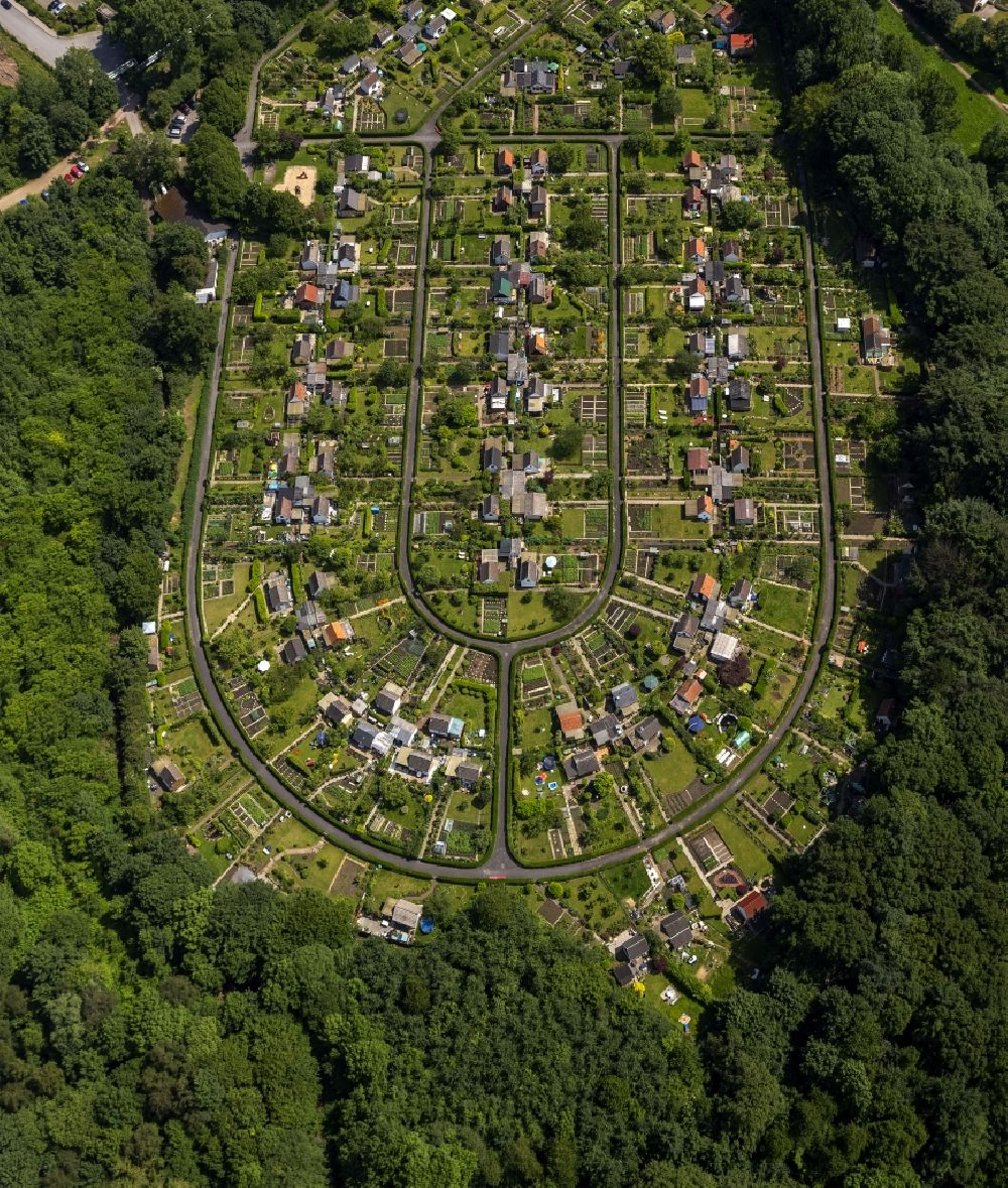 Bochum from the bird\'s eye view: Plots the garden allotment on ...