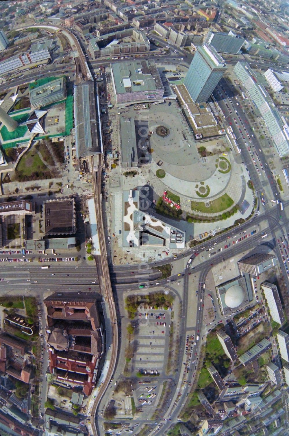 Berlin from the bird's eye view: Ensemble space Alexanderplatz - Otto-Braun-Strasse - Rathausstrasse in the inner city center in the district Mitte in Berlin, Germany